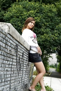 Maria Stunning Asian Tramp Girl Share Off Her Alluring Body In Her Miniskirt