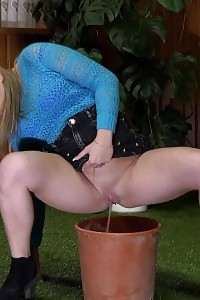 Candi Wet Pulls Her Panties To The Side So That She Can Spread Her Pussy And Piss